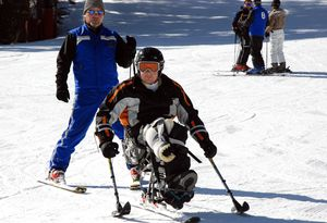 monoski (photo: Vail Veterans / WikiMedia)