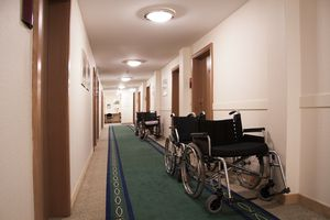 Wheelchairs in a hospital hallway. (Photo: pixabay.com)